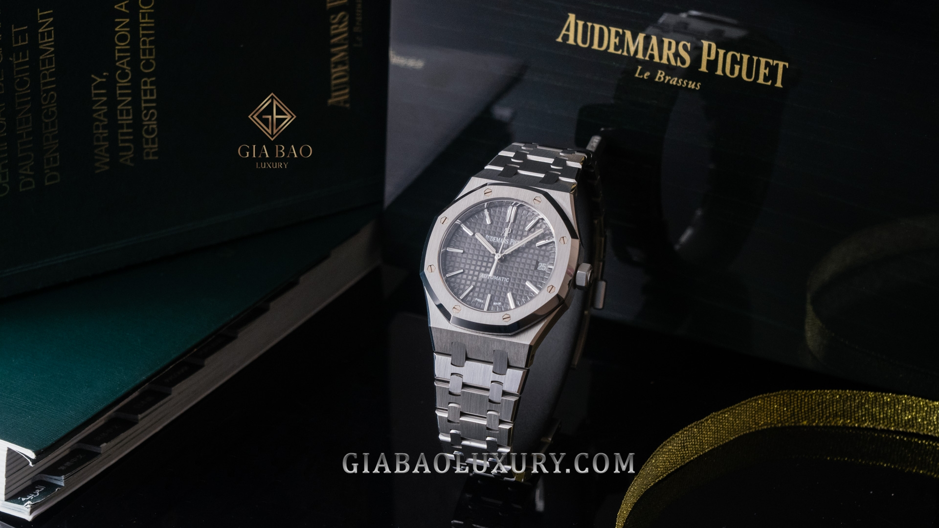 Đồng Hồ Audemars Piguet Royal Oak Grey 15450ST.OO.1256ST.02