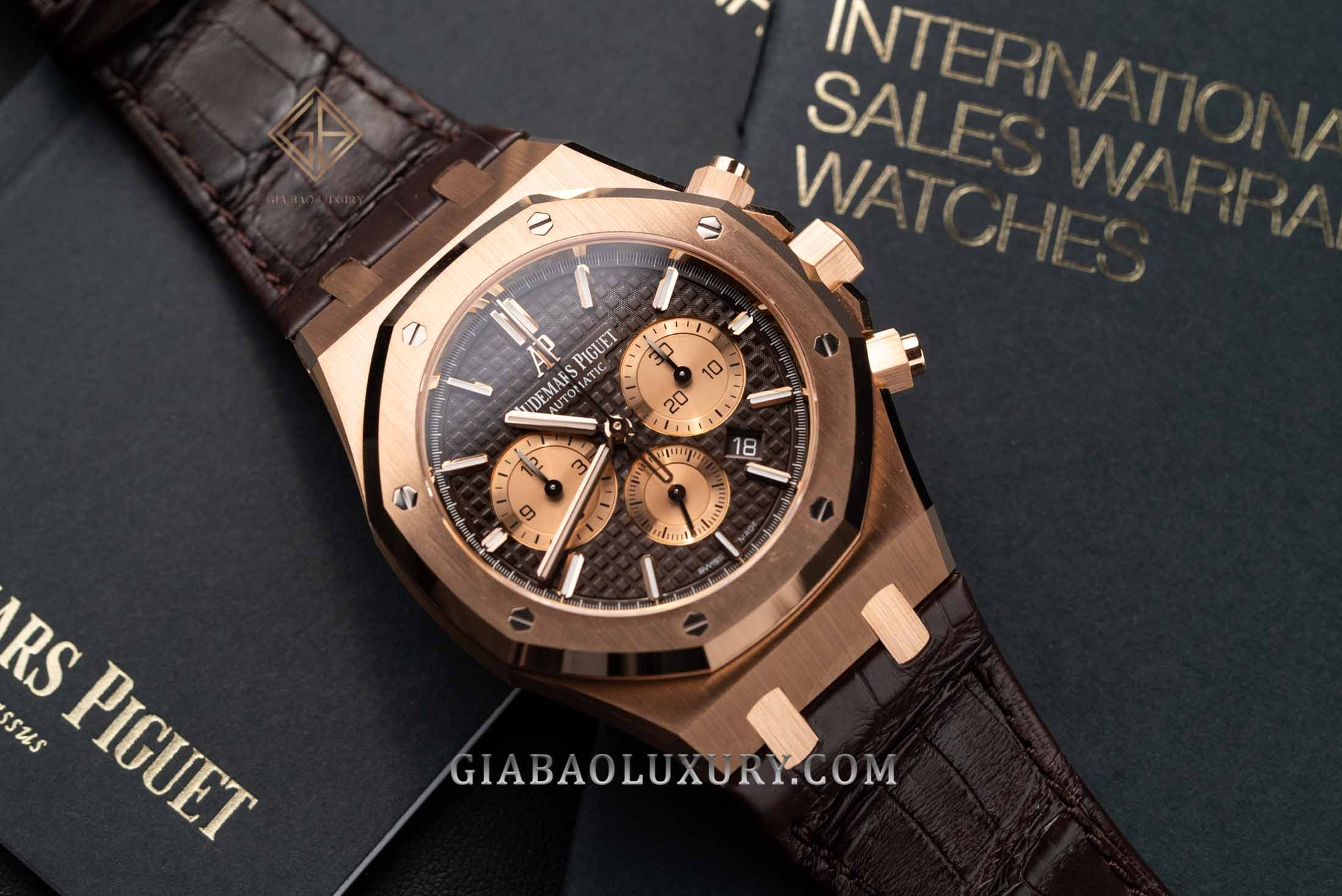 Audemars Piguet Royal Oak Chronograph mã hiệu 26331OR.OO.D821CR.01