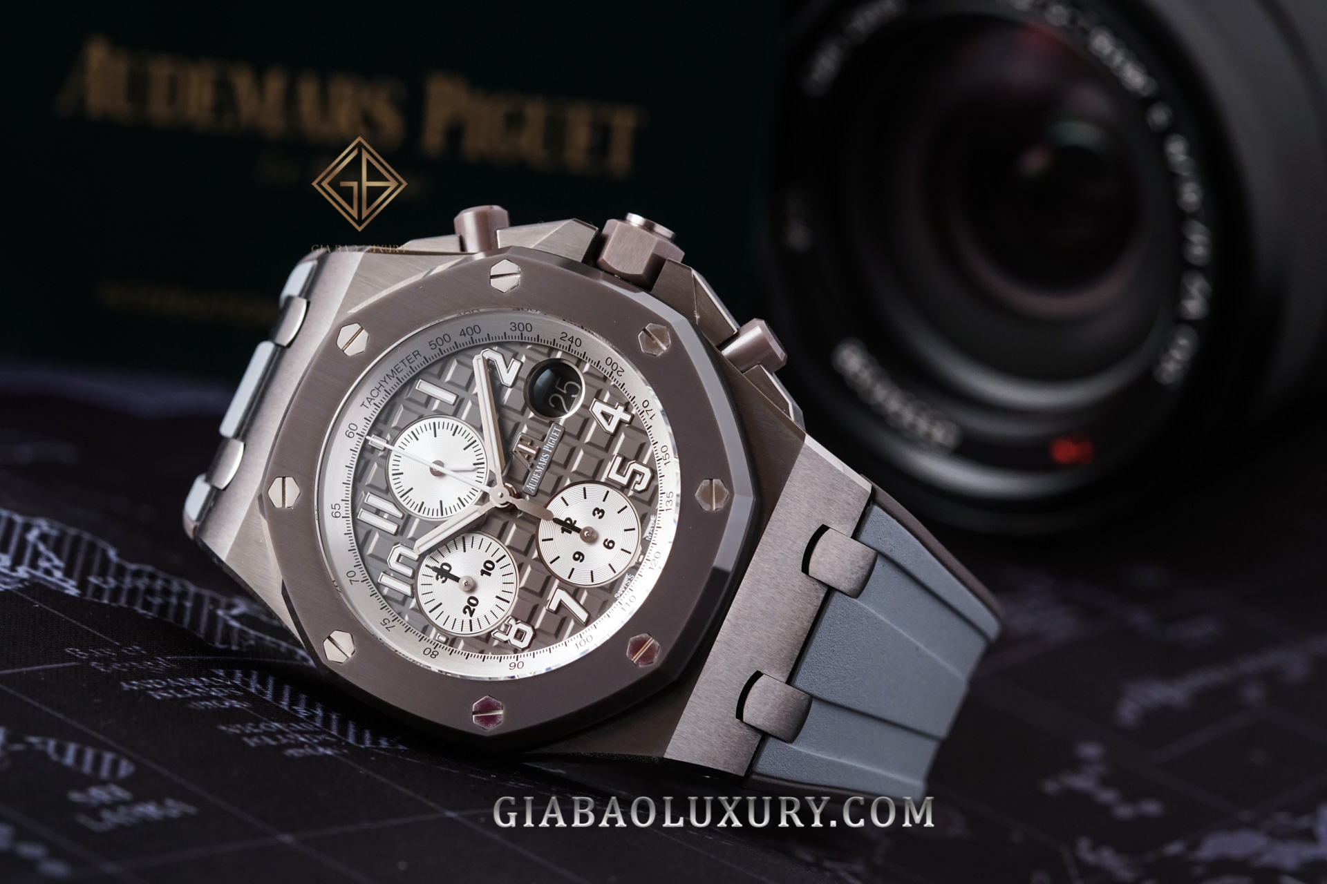 watch Audemars Piguet Royal Oak Offshore với mã hiệu ref. 26470IO.OO.A006CA.01