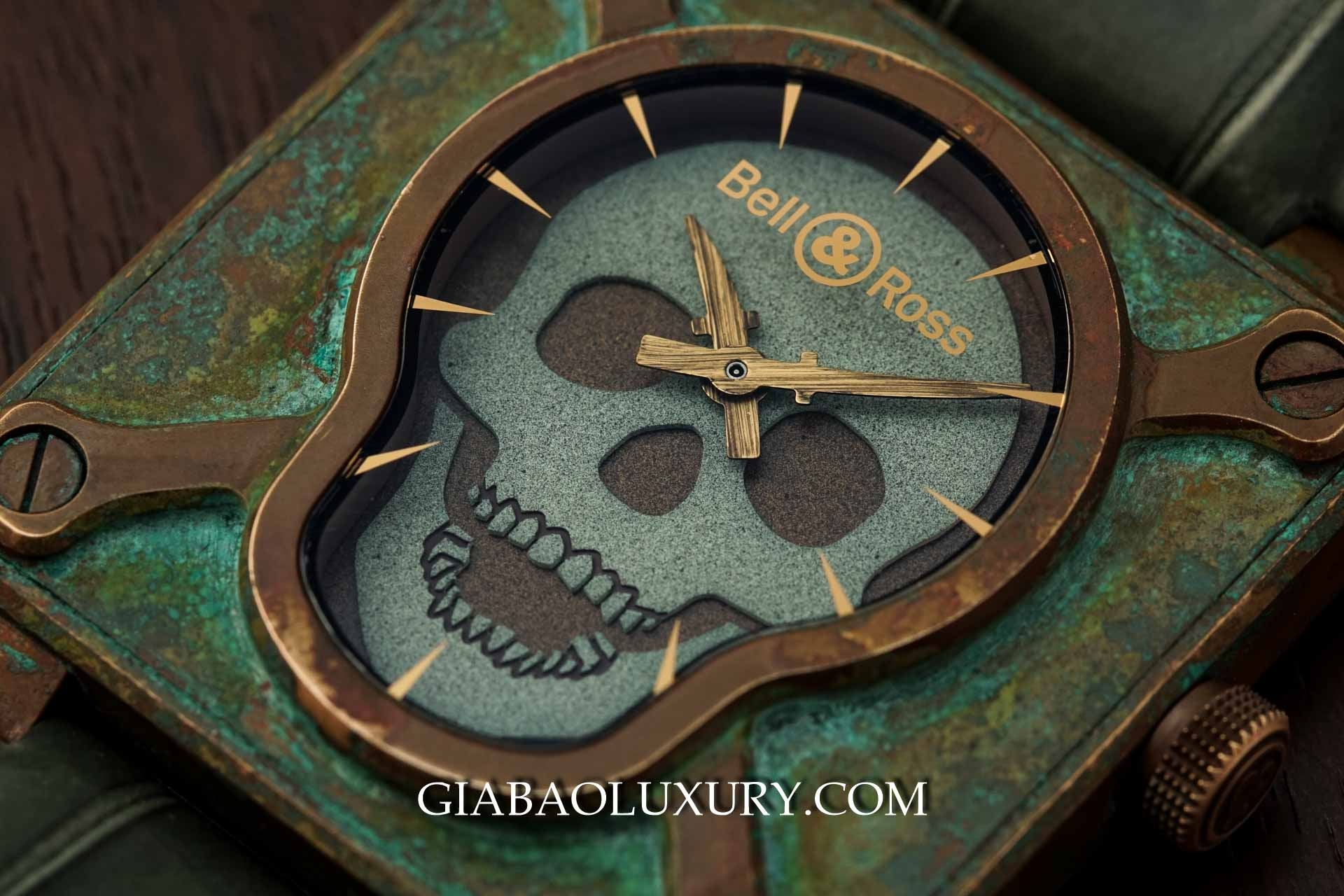 Review đồng hồ Bell & Ross Skull Bronze Patina