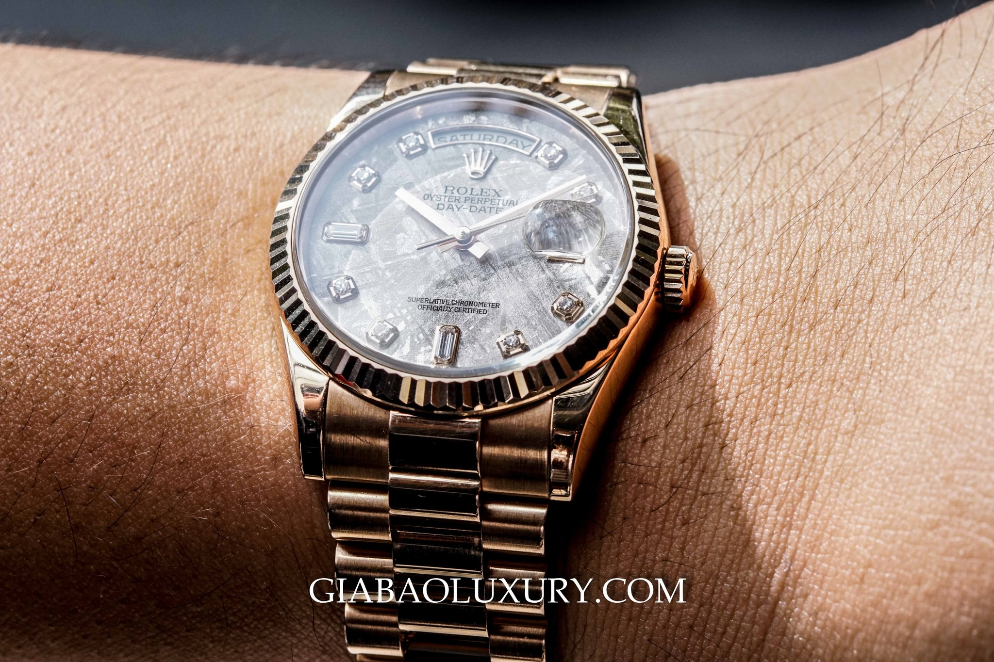 Đồng hồ Rolex Oyster Perpetual Day Date 118235 Mặt Thiên Thạch