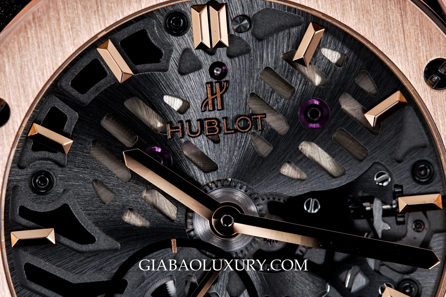 đồng hồ Hublot Classic Fusion Ultra-Thin Skeleton King Gold