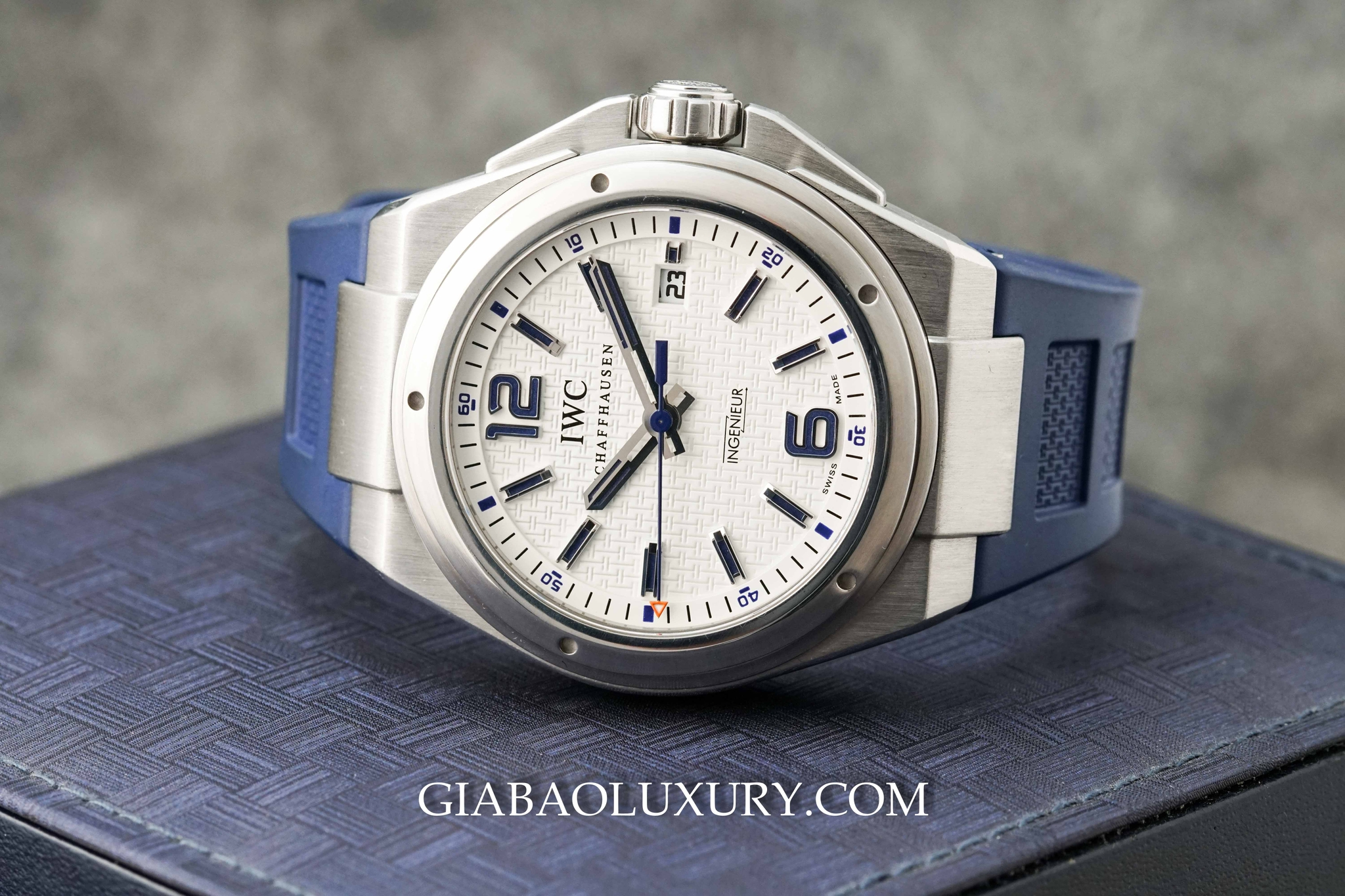Đồng Hồ IWC Ingenieur Automatic Plastiki Mission Earth