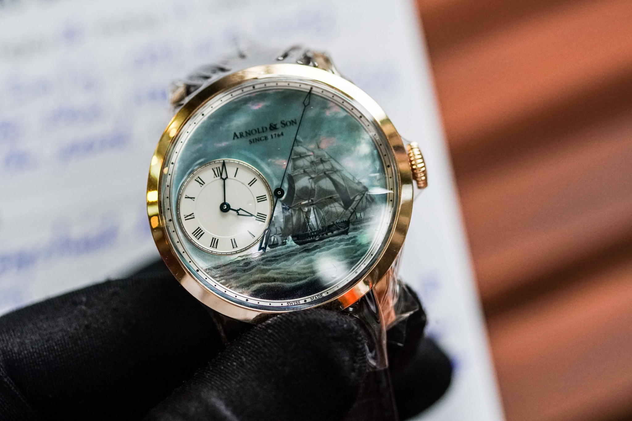 "Đồng Hồ Arnold & Son ""The Honourable East India Company's Ship"""