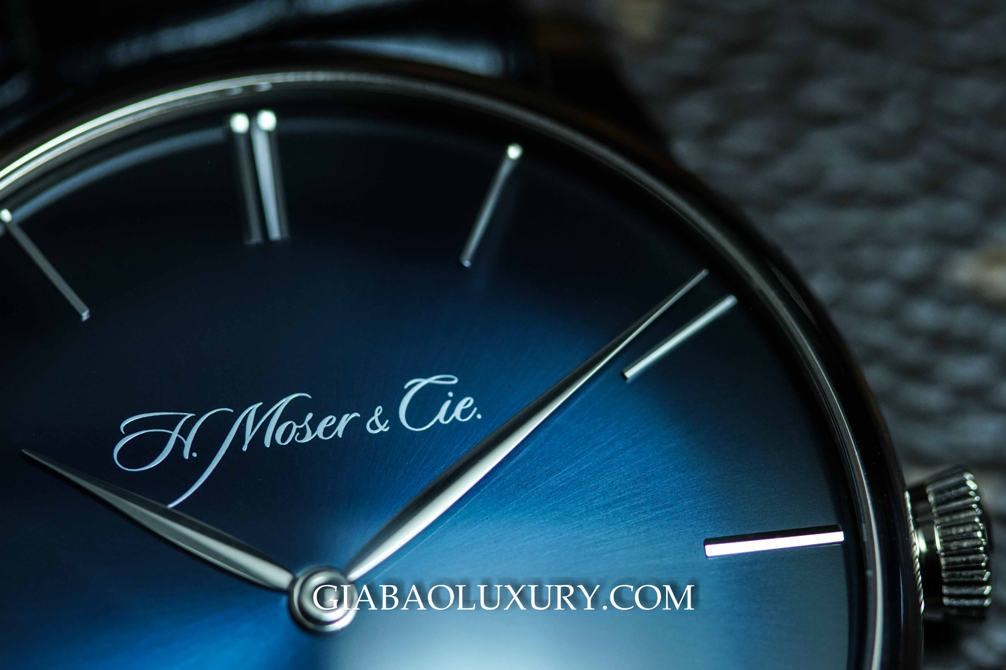 Review Chi Tiết Chiếc Đồng Hồ H. Moser & Cie Venturer Rolls Royce Small Seconds
