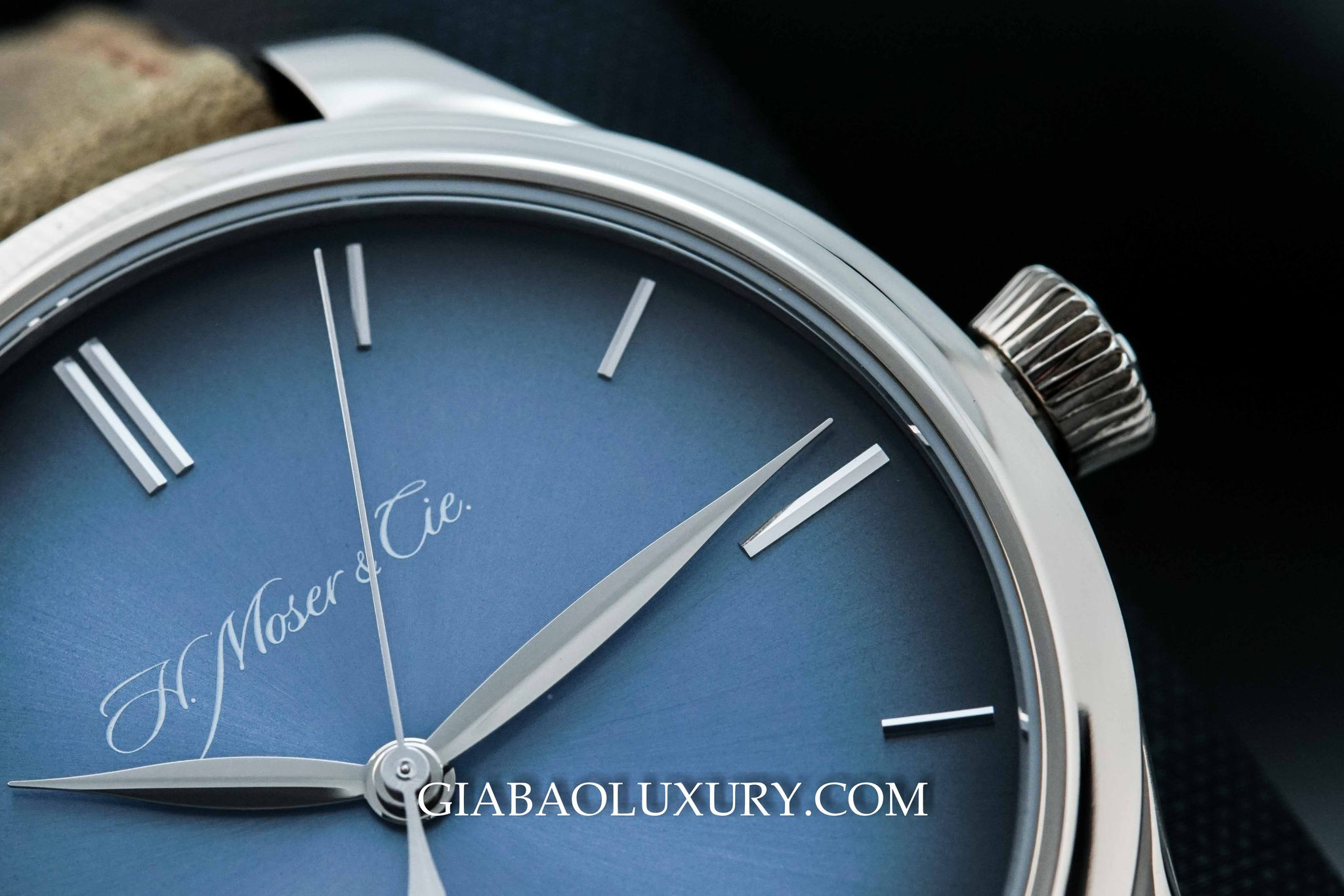 Đồng Hồ H.Moser & Cie Endeavour Center Second Automatic 1200-0201