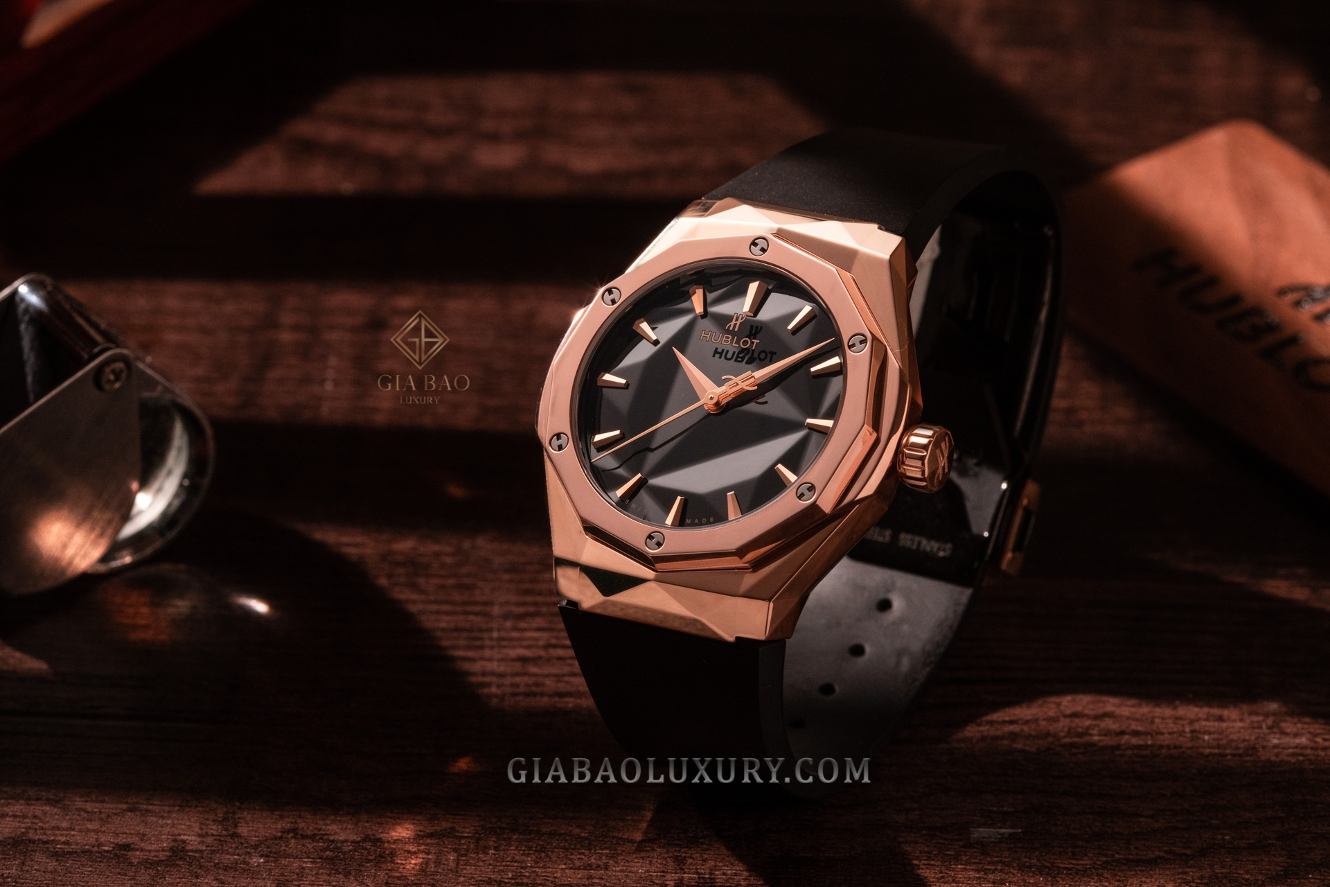 Đồng hồ Hublot Classic Fusion Orlinski King Gold 40mm 550.OS.1800.RX.ORL19