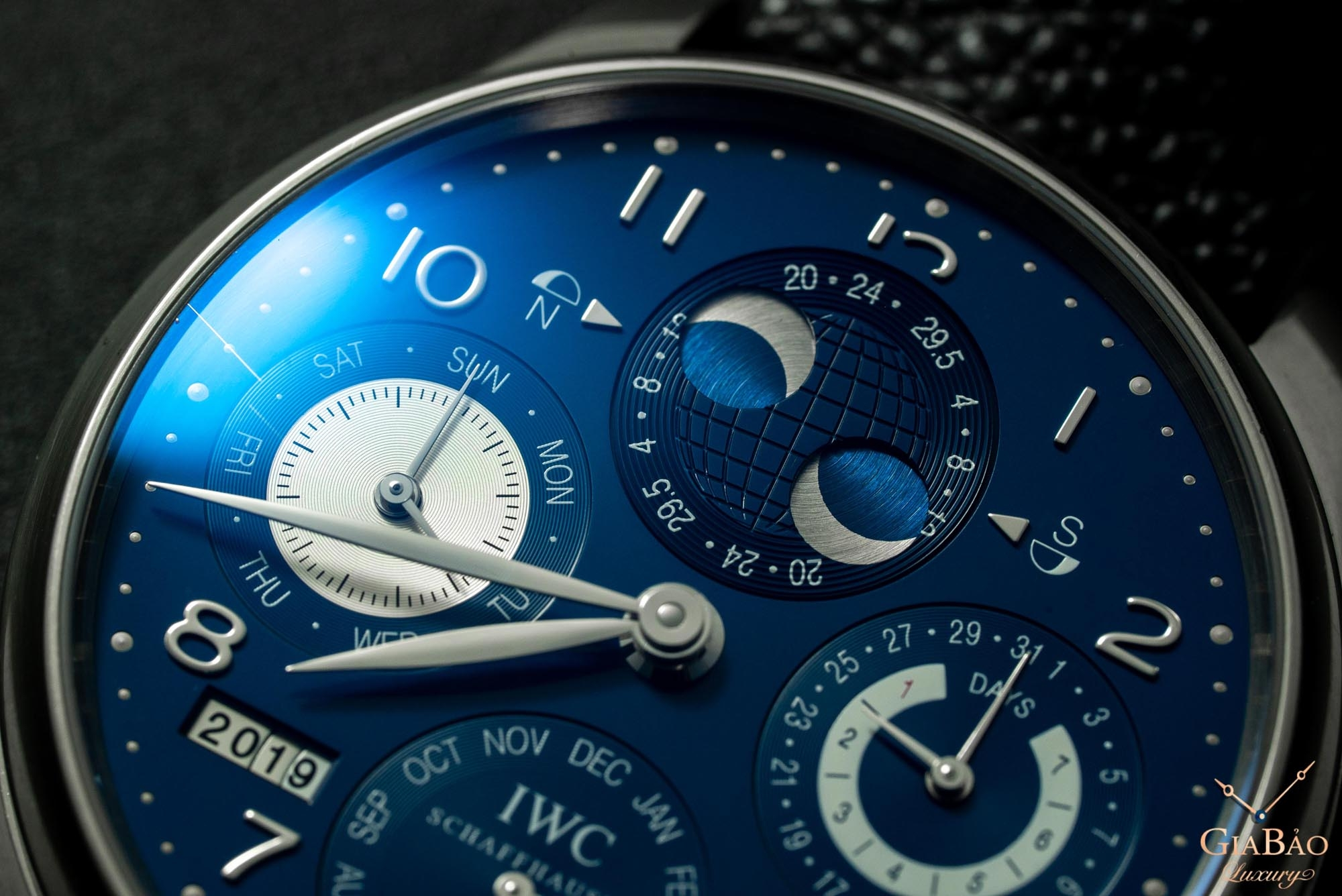 Đồng Hồ IWC Portuguese Perpetual Calendar Hemisphere Moonphase IW503203