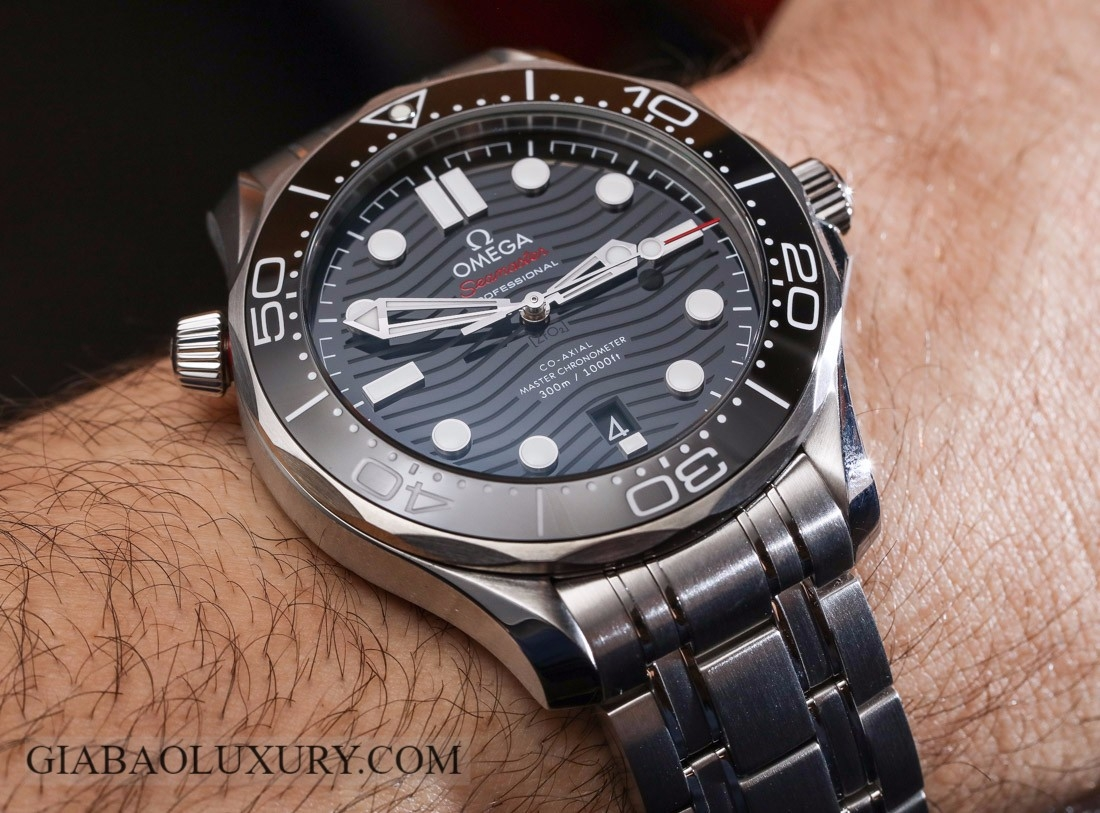OMEGA SEAMASTER 300M CO-AXIAL MASTER CHRONOMETER