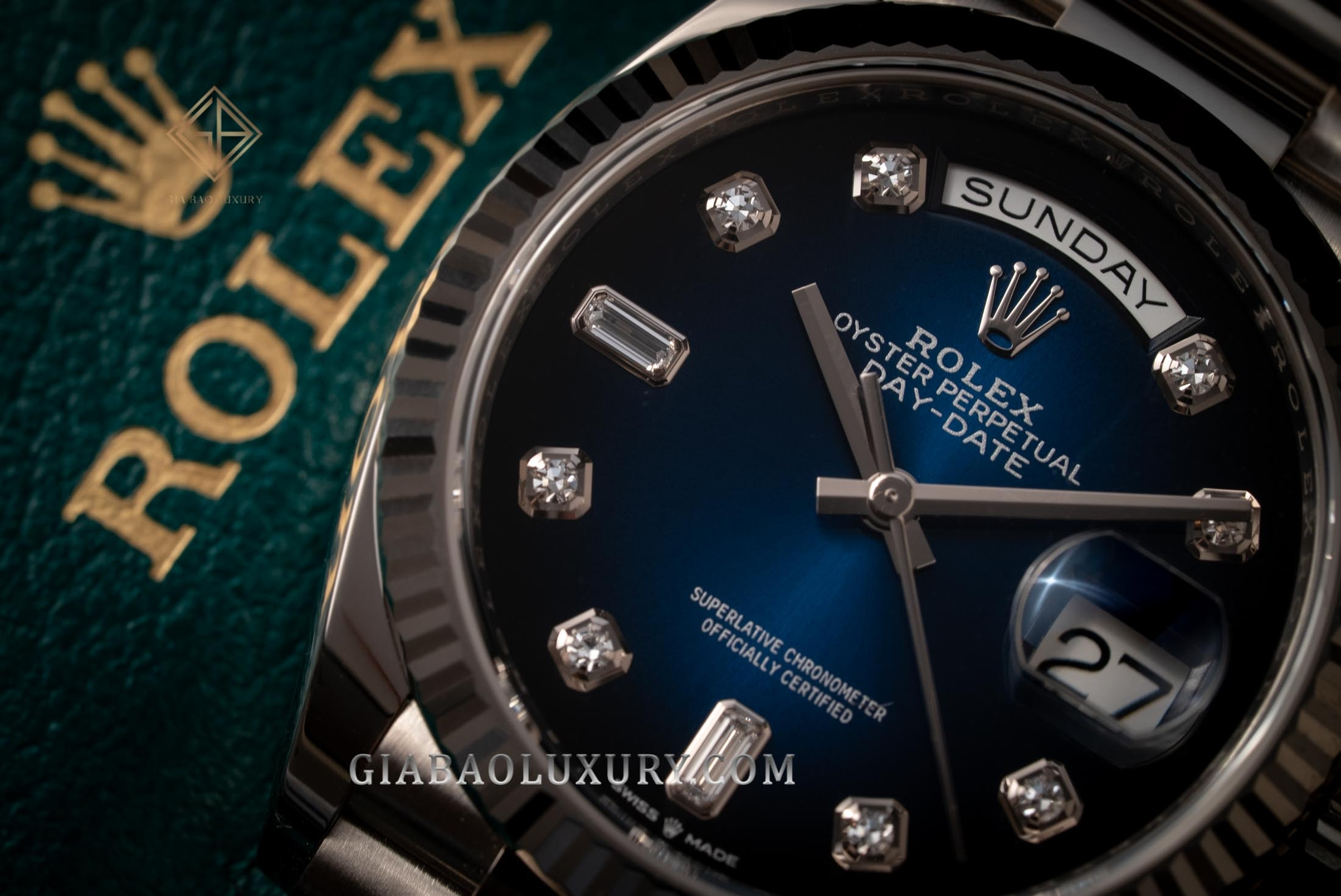 BH Đồng hồ Rolex Day-Date 36 128239 Mặt số Ombré xanh navy