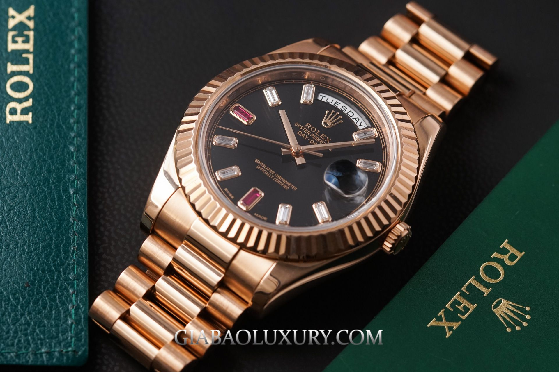 Review Đồng Hồ Rolex Day-Date 218235 Mặt Số Đen