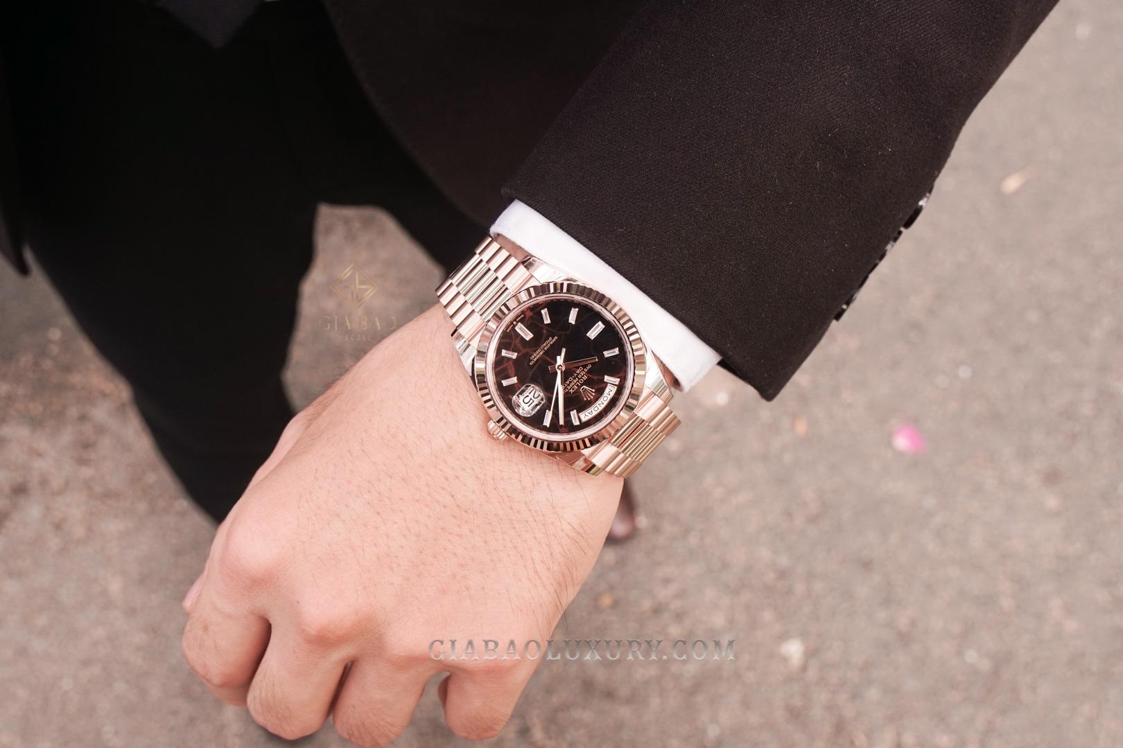 Cận cảnh đồng hồ Rolex Day-Date 40 228235 Mặt Số Eisenkiesel (New Model 2021)