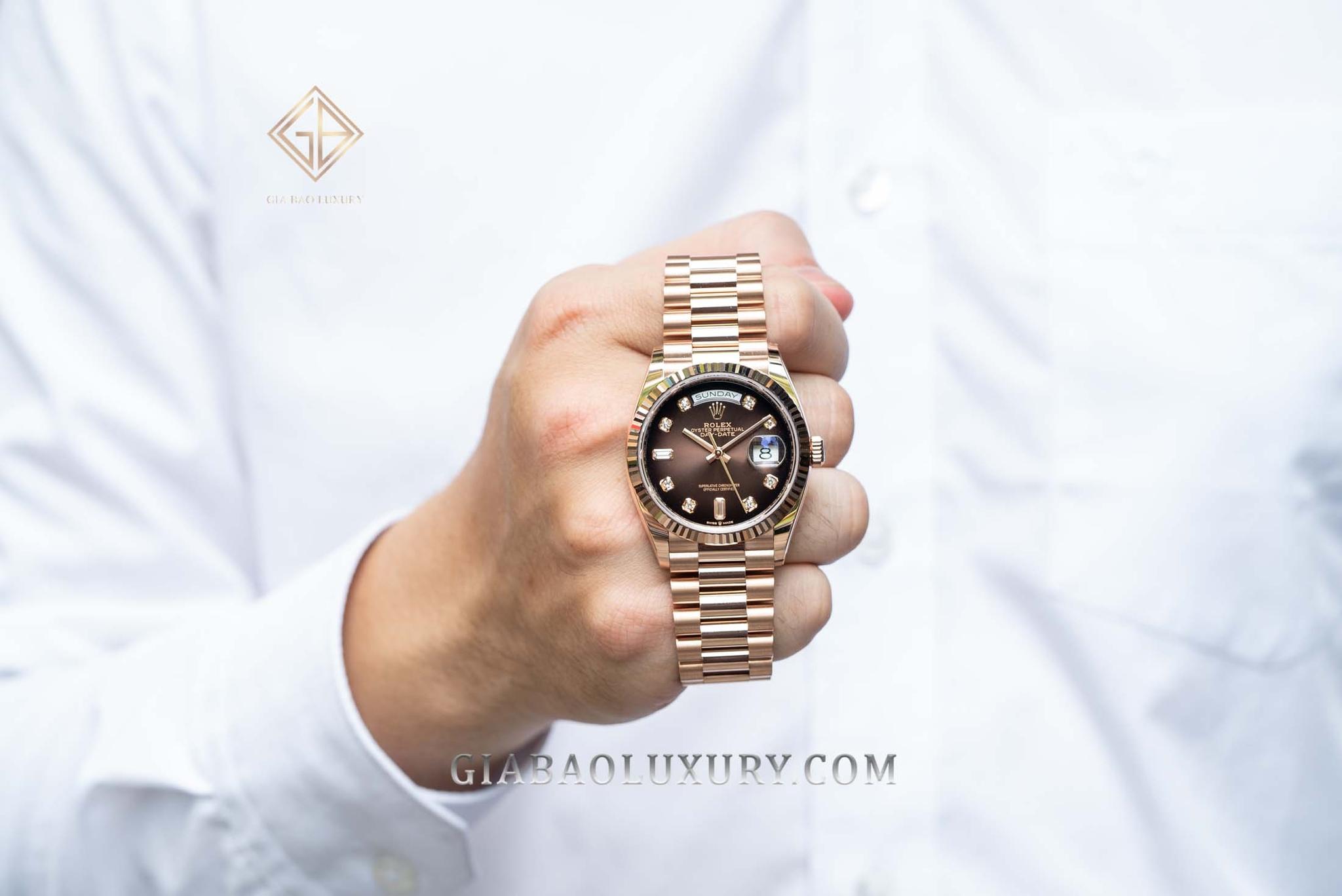 Từ các chất liệu vàng vàng, vàng trắng, vàng hồng, Rolex đã tạo ra những sản phẩm có giá trị về mặt thẩm mỹ, tính năng sử dụng cao.