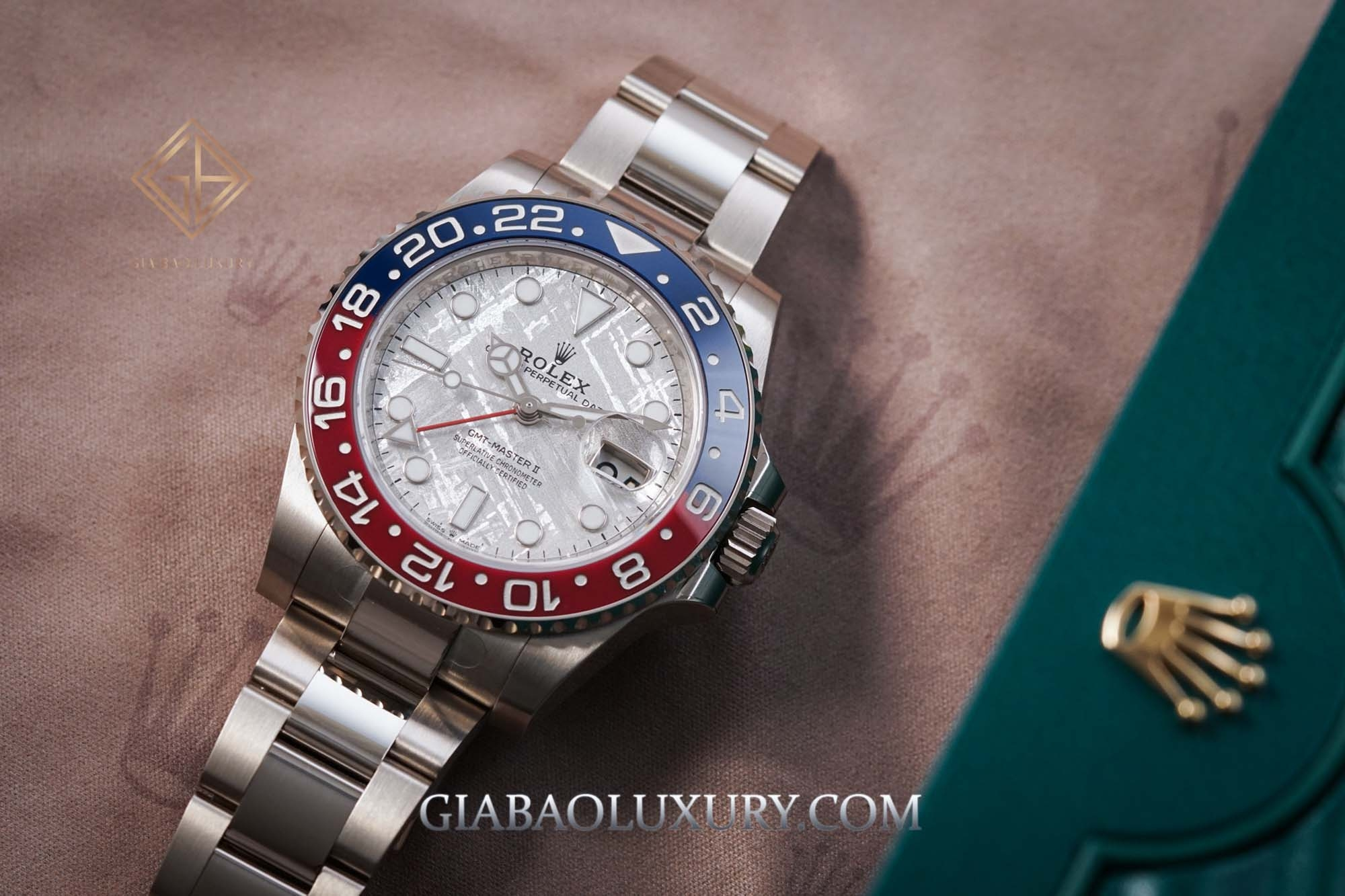 Review đồng hồ Rolex GMT-Master II 126719BLRO