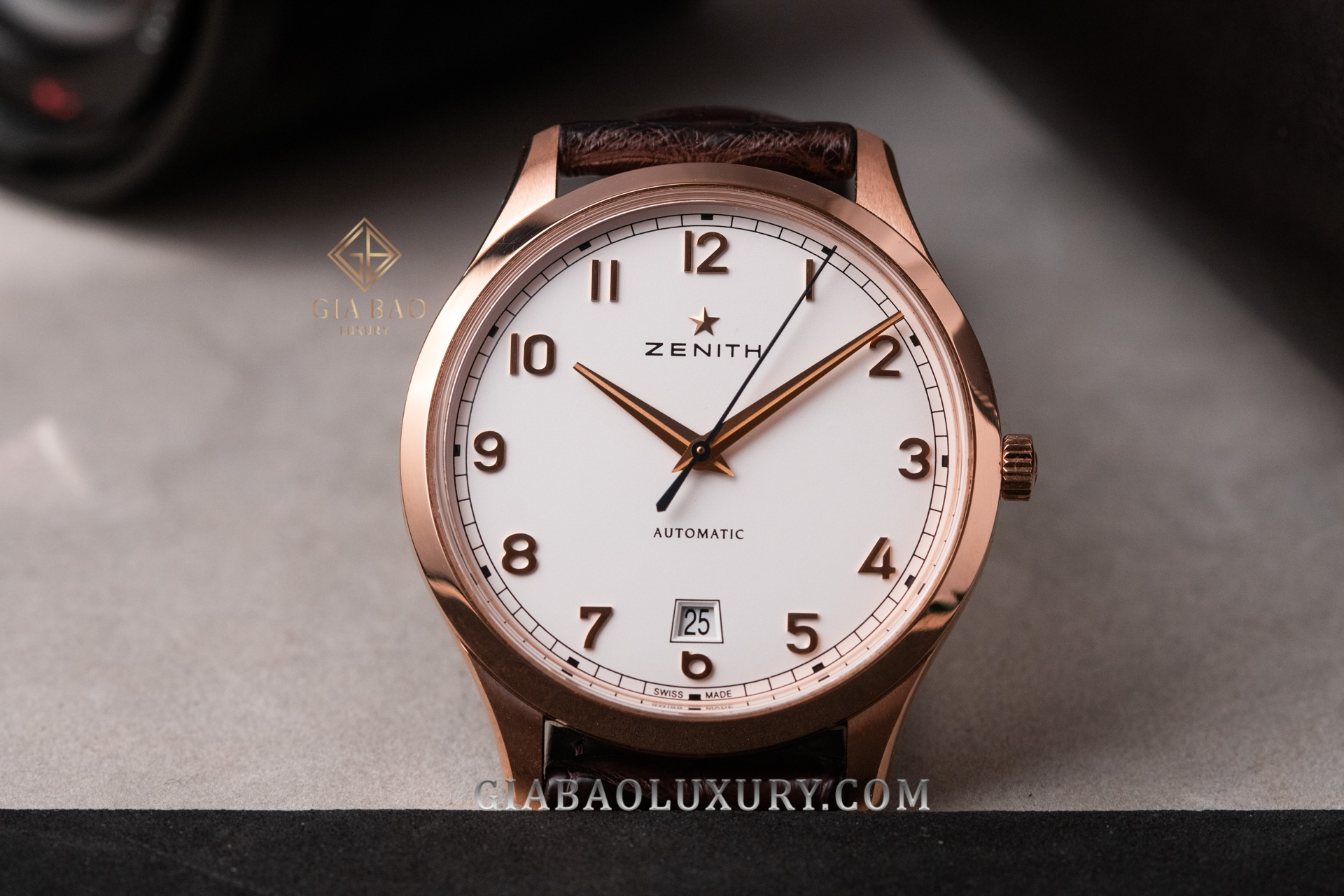 Đồng Hồ Zenith Captain Central Second Boutique 18.2021.670/38.C498