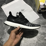 Giay UltraBoost x Reigning Champ