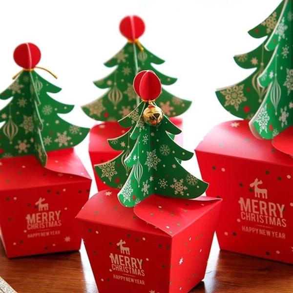 Hộp quà Noel hình cây thông kèm chuông -1