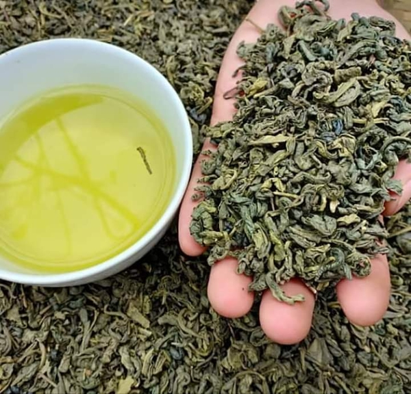 GREEN TEA - BLACK TEA