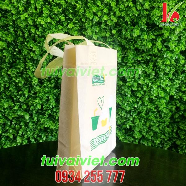 Túi vải không dệt Kem NZ TVE019 hinh 3
