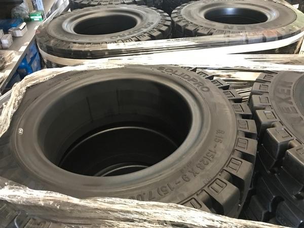 Hình ảnh lốp xe nâng Nexen 815-15