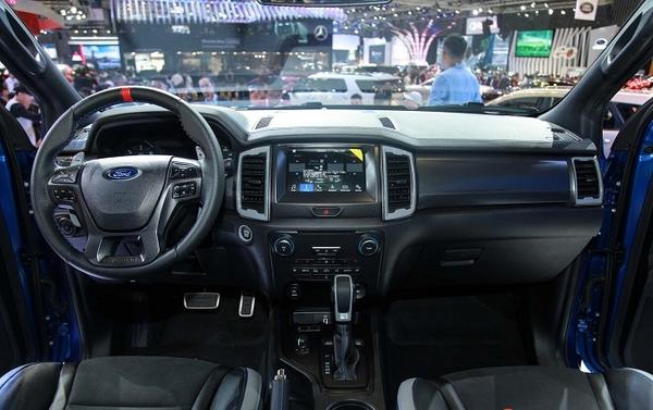 bảng taplo bán tải ford ranger raptor 2019
