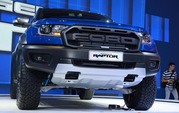 đầu xe bán tải ford ranger raptor 2019