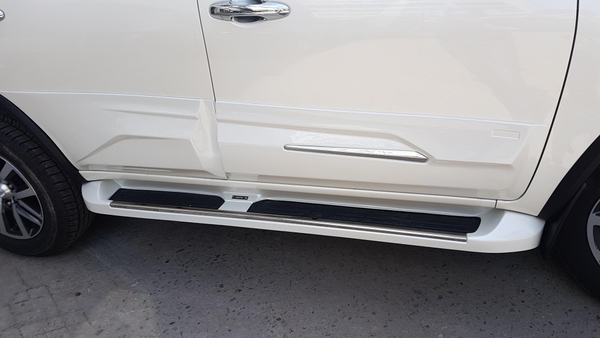 ốp body kit Toyota Fortuner 2021 độLexus LX 570