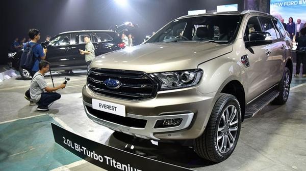 Ford Everest 2019 nhập khẩu màu vàng chambanh