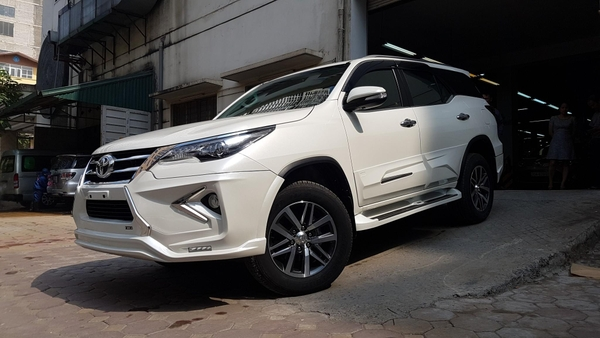 toyota fortuner độ body kit