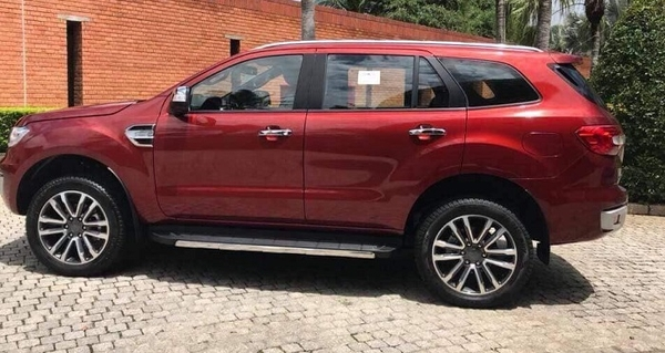 thân xe ford everest