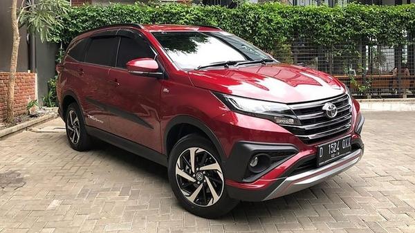Toyota rush 2019 màu đỏ