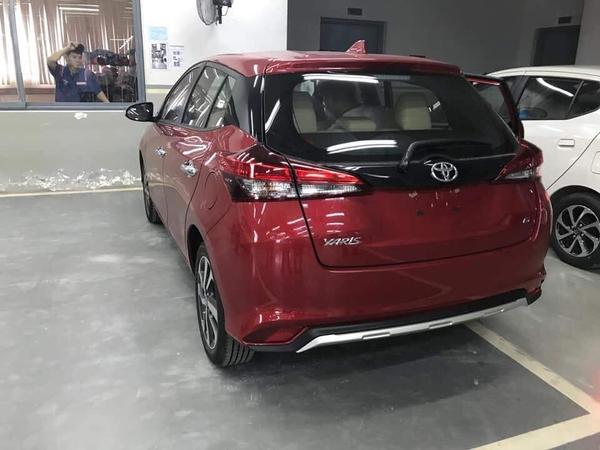 Hông xe toyota yaris 2019