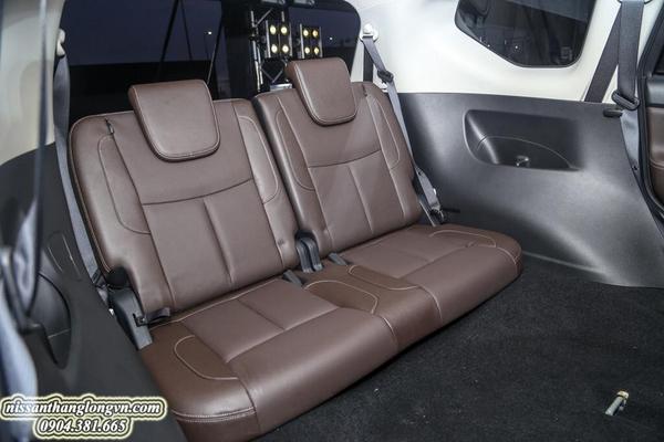 Hàng ghế thứ 03 rộng rãi trên Nissan Terra