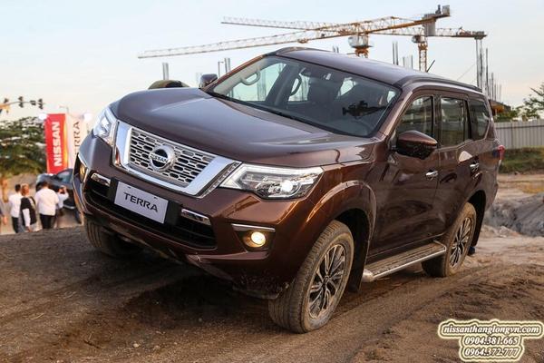 Nissan Terra mệnh danh ông vua SUV offroad