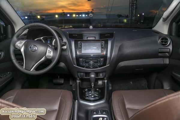Nội thất, tiện nghi cao cấp trên Nissan Terra