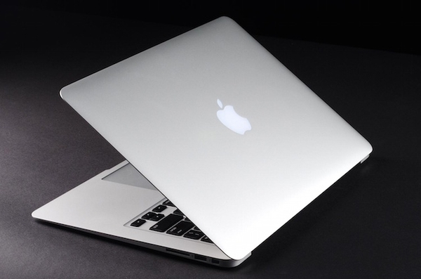 Macbook Air MJVG2 thiết kế siêu mỏng