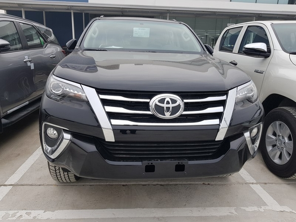 gia-xe-toyota-fortuner-2-7l-4x4-at-may-xang