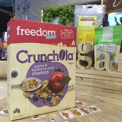 Freedom Foods Freeoats Crunchola, Apple /Blueberry 600g