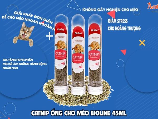 CATNIP ỐNG CHO MÈO BIOLINE 45MLvới thành phần cỏ bạc hà là một loại thực vật, nó có thể kích thích mèo cưng khiến cho chúng có một vài hành động đặc biệt nhưng không kém phần vui nhộn.