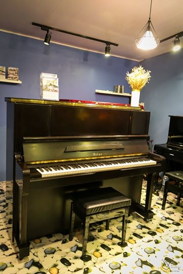 UPRIGHT PIANO ATLAS FA 30