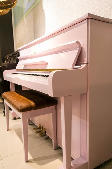 UPRIGHT PIANO YOUNG CHANG U 111 - LIKE NEW