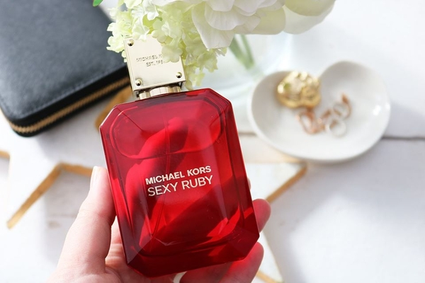 Michael Kors Sexy Ruby EDP 100ml - MADE IN SWITZERLAND.