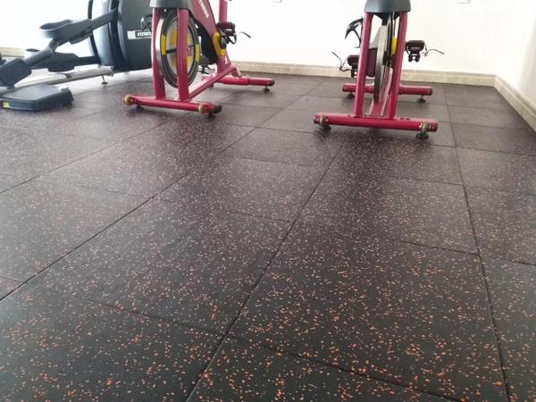Những ưu điểm của sàn cao su phòng gym