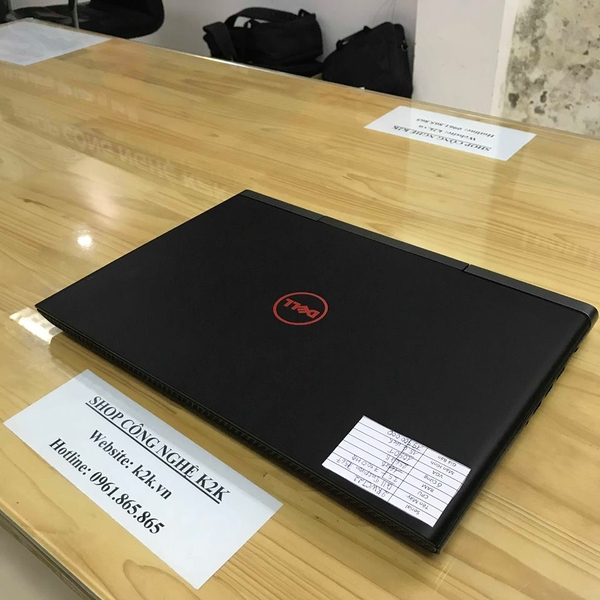 Dell Inspiron 7567 (Intel Core i5-7300HQ 2.5GHz, 16GB RAM, 256GB SSD, VGA NVIDIA GeForce GTX 1050Ti, 15.6 inch, Windows 10)