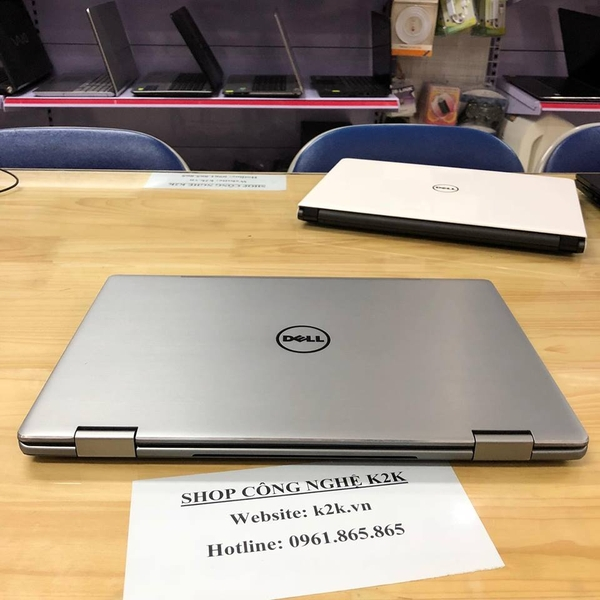 Dell Inspiron 7779 (Intel Core i7-7600U 2.5GHz, 8GB RAM, 450GB (128GB SSD + 320GB HDD), VGA Intel HD Graphics 620 + Nvidia GT940Mx - 2GB, 17.3 inch FHD Touch Screen)