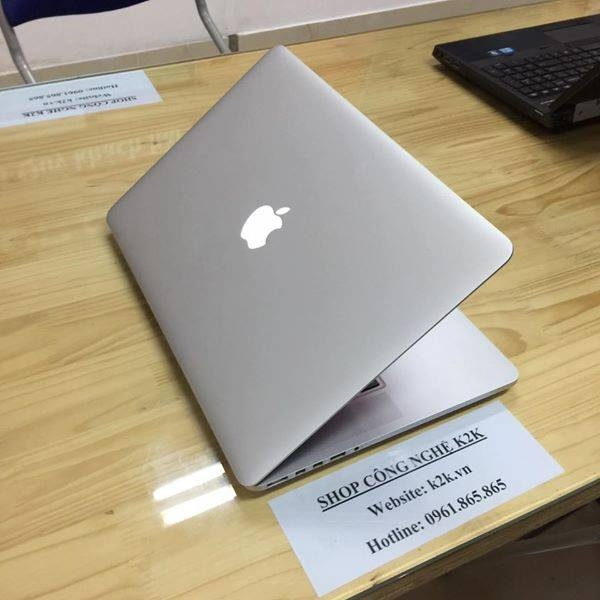 Apple Macbook Pro Retina MC975 (Mid 2012) (Intel Core i7-3610QM 2.3GHz, 8GB RAM, 256GB SSD, VGA NVIDIA GeForce GT 650M / Intel HD Graphics 4000, 15.4 inch, Mac OS X Lion)