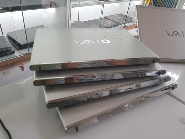 Sony Vaio SVT-13 (Intel Core i5-3317U 1.7GHz, 4GB RAM, 128GB SSD, VGA Intel HD Graphics 4000, 13.3 inch, Windows 8 64 bit)