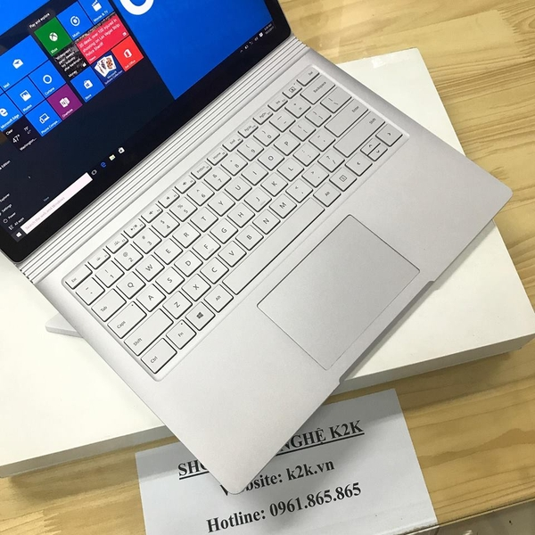 Surface Book 2 (2017) i7 Ram 16 SSD 1TB SSD 15 inch vga 6gb