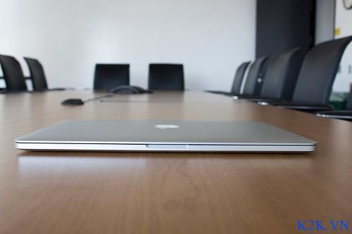 Apple Macbook Pro Retina ME665 (Early 2013) (Intel Core i7-3740QM 2.7GHz, 16GB RAM, 512GB SSD, VGA NVIDIA GeForce GT 650M / Intel HD Graphics 4000, 15.4 inch, Mac OS X Lion)