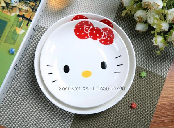 DĨA SỨ HELLO KITTY